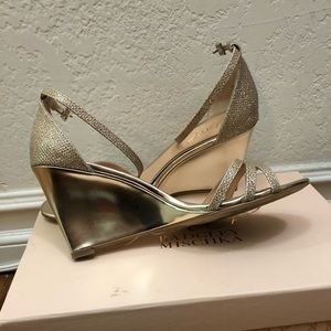 Jewel Badgley Mischika Antonette Gold wedge heal